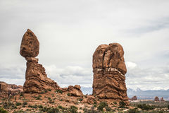 Moab Utah wölbt Naturschutzpark ausgewogenen Felsen 2 lizenzfreie stockfotografie