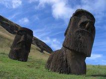 Moai überall Stockbild