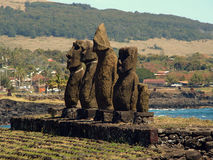 Moai av Ahu Tahai Arkivbilder