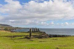 Moai grupp i Ahu Tahai, påskö, Chile Arkivfoton