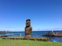 Moai i Hanga Roa Royaltyfri Foto