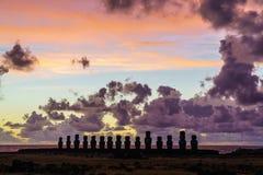 Moai przy Ahu Tongariki w wczesnym poranku Fotografia Royalty Free