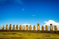 Moai przy Ahu Tongariki widokiem Obrazy Royalty Free