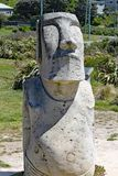 Moai statua na banku Lyall zatoka, Wellinton, Nowa Zelandia Ten statua był łamana wandalami ostatnio obrazy stock
