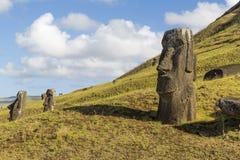 Moai statua przy Ranem Raraku, Wielkanocna wyspa, Chile zdjęcia stock