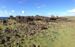Moai stupad framsida ner royaltyfri fotografi