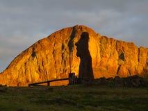 Moai Viajero u. Rano Raraku, Osterinsel lizenzfreie stockfotos