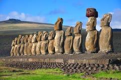 Moai vijftien in Tongariki, het Eiland van Pasen stock afbeeldingen