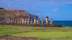 Moais auf Ahu Tongariki, Osterinsel, Chile Lizenzfreie Stockfotos