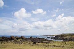 Moais derrubado Akahanga na Ilha de Páscoa Fotografia de Stock