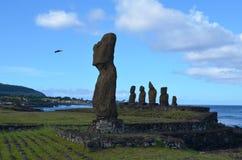 Moais przy Ahu Tahai ceremonialnym kompleksem blisko Hanga Roa, Rapa Nui Wielkanocna wyspa Zdjęcia Stock