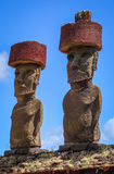 Moais statui miejsca ahu Nao Nao na anakena plaży, Easter wyspa Zdjęcie Royalty Free