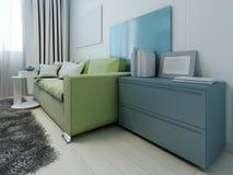 Mobília colorida na sala de estar contemporânea Fotos de Stock