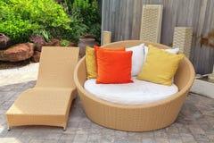 Mobília de vime do jardim Fotos de Stock Royalty Free