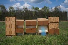 Mobília velha reciclável ou lixo Fotografia de Stock