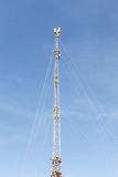 Mobiel communicatiemiddel toren Stock Foto