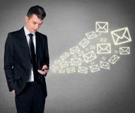 Mobiel e-mailconcept Stock Foto's