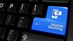 Mobiele bankwezen bewegende motie op de knoop van het computertoetsenbord stock footage