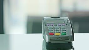 Mobiele Betaling met een Creditcard stock video