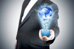 Mobiele de aanrakings het scherm van de bedrijfsmensenholding Royalty-vrije Stock Foto's