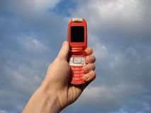 Mobiele in hand Stock Fotografie