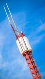 Mobiele telefoon communicatie geïsoleerde repeaterantenne Stock Foto's