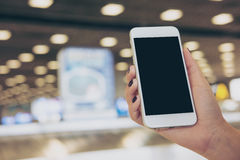 Mobiele telefoon in de luchthaven Royalty-vrije Stock Afbeelding