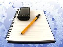 Mobiele Telefoon en Pen op Blocnote royalty-vrije stock afbeelding