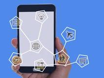 Mobiele telefoon en punten online communicatienetwerk stock fotografie