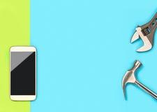 Mobiele telefoonbanner als achtergrond met heel wat vrije lege exemplaarruimte voor tekst en inhoud voor het bedrijf van de smart Stock Fotografie