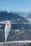 Mobiele vlaggemast met reclame van alpien ski?end gebied van Nordkette Innsbruck, Oostenrijk Royalty-vrije Stock Fotografie