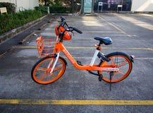 Mobike i parkeringsplatsen Southport Gold Coast Australien royaltyfri fotografi