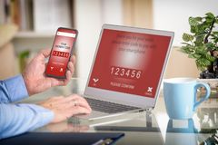 Mobil betalning med smartphone Royaltyfri Foto