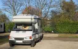 Mobil campareskåpbil Arkivfoto