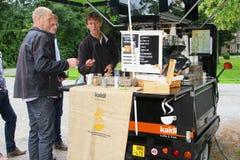 Mobil coffee shop i bilen, Nederländerna Arkivbild
