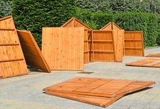 Mobil returnerar wood paneler som är klara att bygga tillsammans Royaltyfria Foton