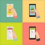 Mobil shopping och nyheterna Arkivfoton