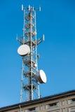 Mobila antenner för spaljé och satellit- disk Arkivfoto
