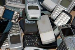 mobila gammala telefoner för kyrkogård Arkivfoton