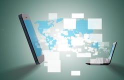 Mobile avec le transfert des données Image libre de droits