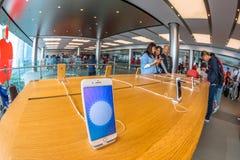 Mobile d'Apple Store Photographie stock libre de droits