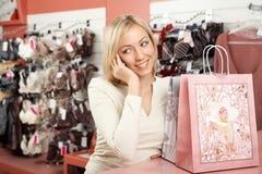 mobile phone shop woman Στοκ Εικόνες