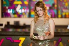mobile phone using woman young Στοκ εικόνα με δικαίωμα ελεύθερης χρήσης