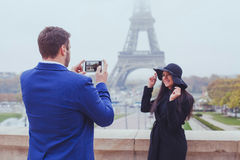 Mobile photography, tourists in Paris Royalty Free Stock Photos