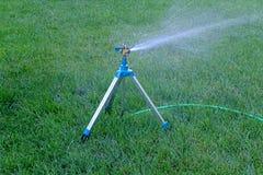 Mobile Sprinkleranlage angebracht an der Stativfunktion Stockfoto