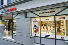 Mobilezone通信零售店在卢赛恩,瑞士 免版税库存照片