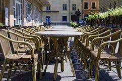 Mobilia di vimini del rattan (tabelle e presidenze) Fotografia Stock