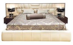 Mobilia moderna beige grigia di lusso del letto con il letto modellato con la testata di cuoio della tappezzeria Tessuto molle de Fotografia Stock Libera da Diritti