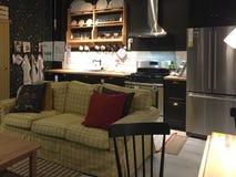 Mobilia moderna piacevole da vendere al deposito IKEA America Fotografie Stock