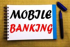 Mobilna bankowość Biznesowy pojęcie dla Internetowego bankowość banka Pisać na notepad nutowego papieru tle z astronautycznym biu obraz royalty free